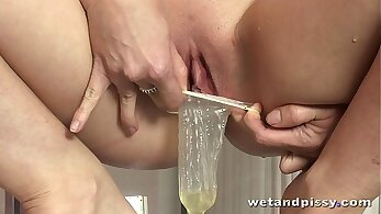 Riona Maitlands pussy hero pissing action