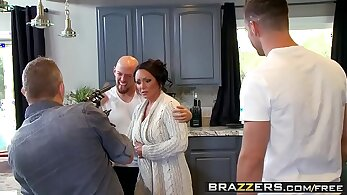 Angelica broad amazings huge, jiggly boobs for her mommy