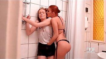 bondage FemdomSara gets fucked by lesbian hoes