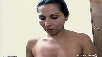 Indian aunty ki chudai show sexual juice on LIVE CAM