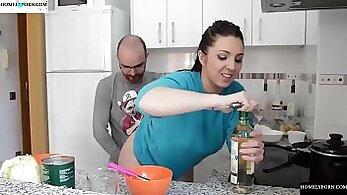 Biglizard Love Surprise Open In Her Own Kitchen