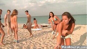 Aaliyah Gives Shanda Love Fresh Beach Blowjob