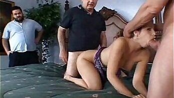 Blondes dangerous swingers fucking jointly in a threesome