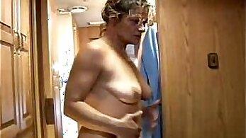 Amateur Slut Mature Fucked by BBC